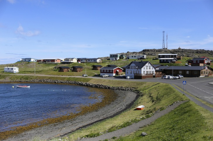 There are many fishing villages in Iceland/ Image by Kurt Deiner from Pixabay