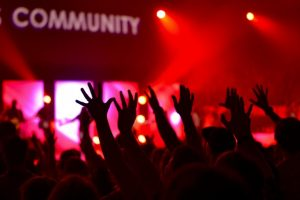 Audience Crowd Event Cheer/ Image by Free-Photos from Pixabay