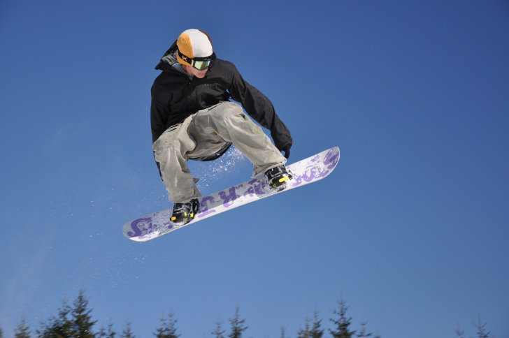 Snowboardist in the air