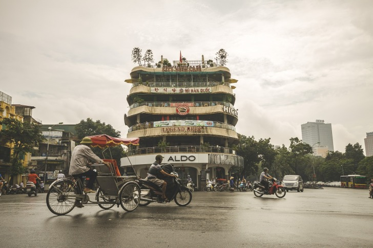 A street in Hanoi/ Image by Leon_Ting from Pixabay