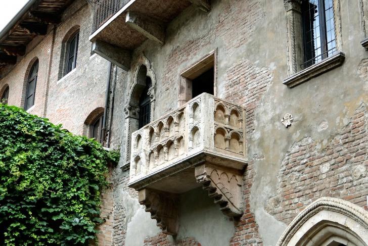 Verona/ Image by TaniaSTS from Pixabay