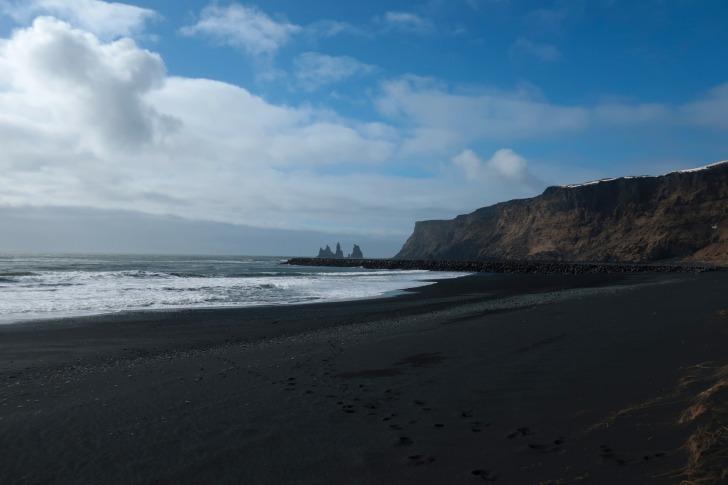 Reynisfjara black sand beach/ Image by Sterna Is from Pixabay